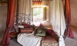 Perdele şi draperii: luxul de la fereastră